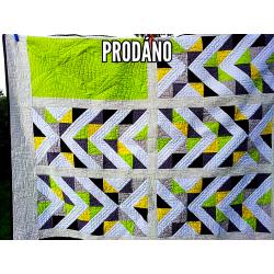 Patchworková quilt/comforter-lime