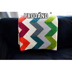 PRODÁNO - CHAMBRAY CHEVRON - patchwork deka  - 1