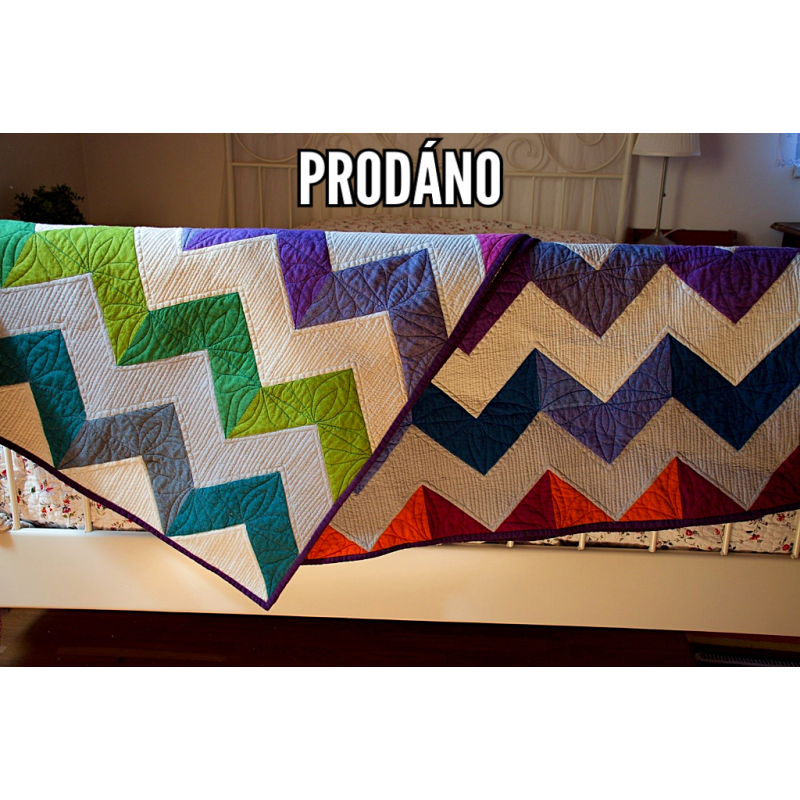 DEKY CHAMBRAY CHEVRON - patchwork deka, quilt 7600 Chevron je cool - moderní a nápadný. Na tuto deku jsem použila chambray lát