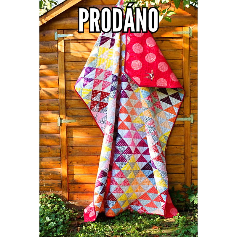 SOLD - PATCHWORK QUILT - COLORFUL TRIANGLES